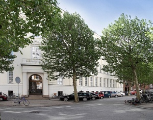 Indgang med træer, Hammerensgade København