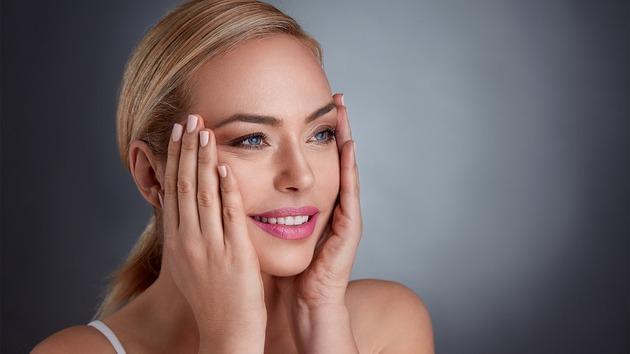 Blond kvindeansigt